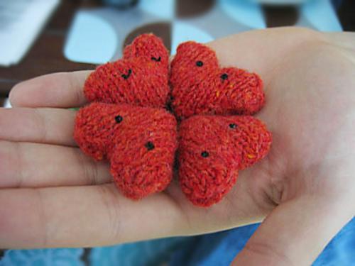 mini serduszka na drutach
