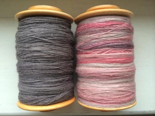 Szary i różowy singiel