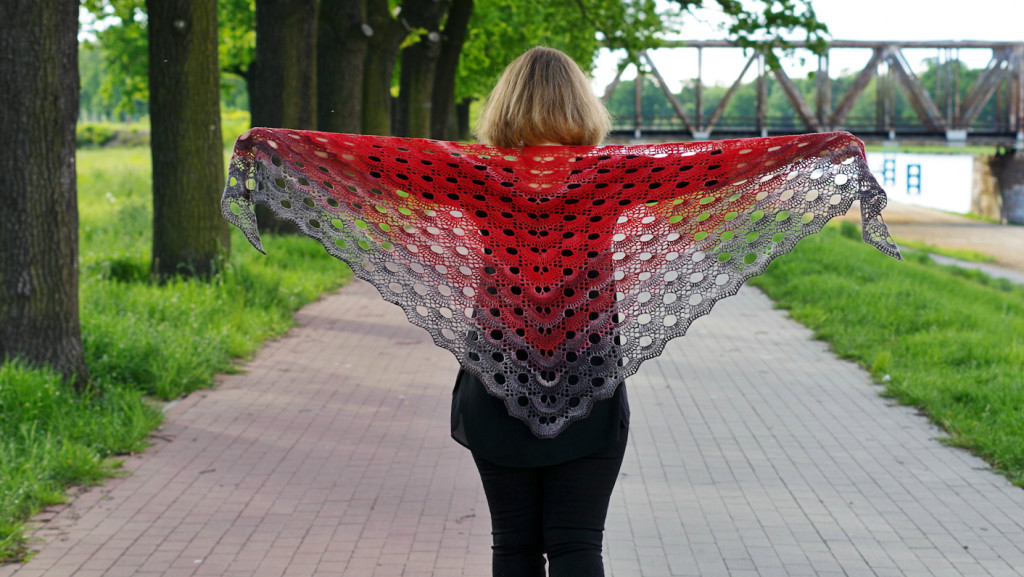 Virus Shawl 01a